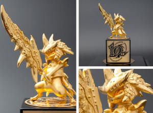 monster-hunter-statua-decimo-anniversario