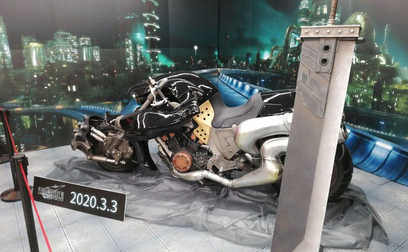 FINAL FANTASY VII REMAKE: la Hardy-Daytona e la Buster Sword in mostra all'Animate