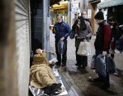 Giappone: un uomo distribuisce 16.000 sacchi a pelo ai senzatetto di Osaka